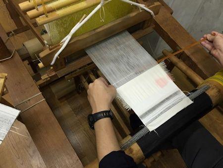 箔織り体験s機織り体験.jpg